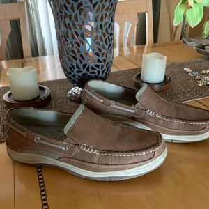 785edbe45c5 Men's Chaps Leather Slip on Boat Shoes